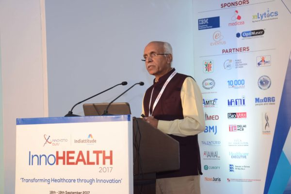 Dr Vijay Agarwal speaking in session 1 at InnoHEALTH 2017