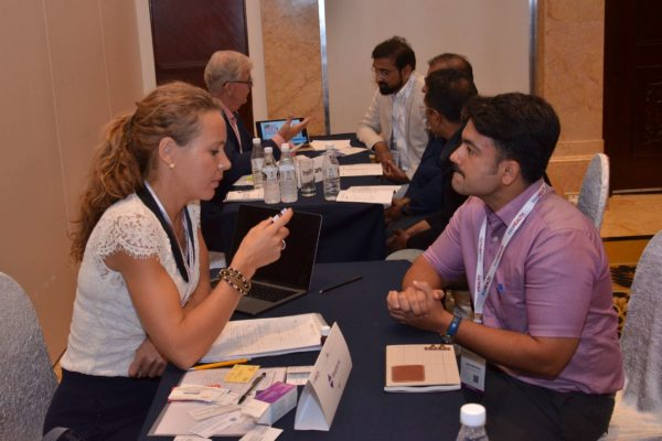 Caroline Danielson from Renapharma interacting with an attendee at B2B meeting of InnoHEALTH 2017