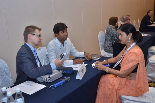 Joonas Ihalianen of iCare interacting with Dr Nimmi Rastogi at B2B meeting of InnoHEALTH 2017