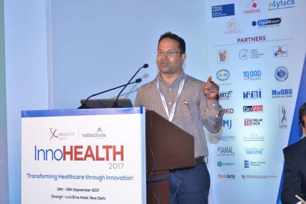 Satya Tapas presenting his innovation at InnoHEALTH 2017