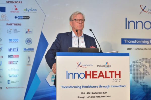 Hakan Jideus pitching Predicare at InnoHEALTH 2017