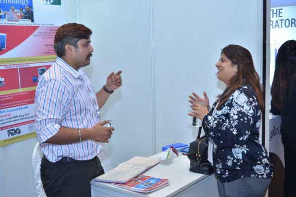 Sachin Bhatt from Accuster and Prarthana Gandhi interact at InnoHEALTH 2017