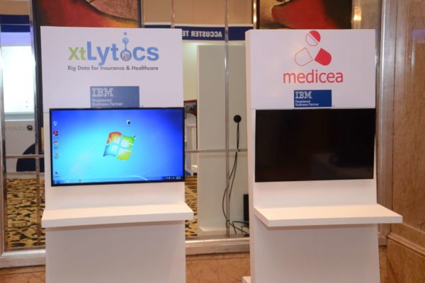 xtLytics and Medicea booths at InnoHEALTH 2017