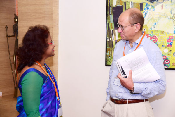Sharda Balaji in talks with Jan Erik from ApiRays at InnoHEALTH 2017 Bangalore leg