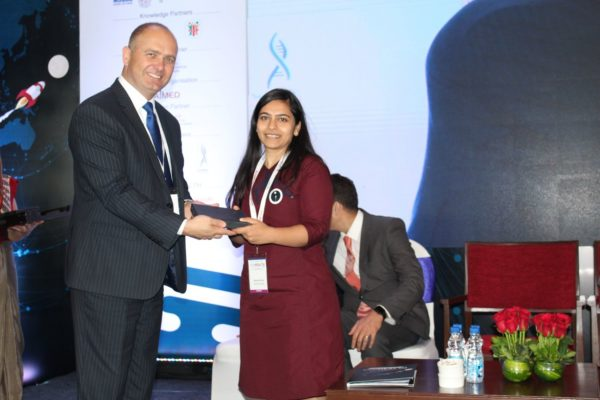 16. Saumya Gaur receives a memento from H.E Riho Kruuv at InnoHEALTH 2018