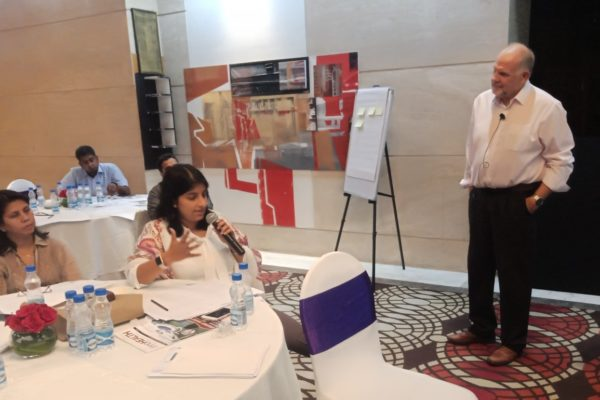 6. A participant interacts with Chris Lloyd at the master class for improving care at hospitals through lean - InnoHEALTH 2018
