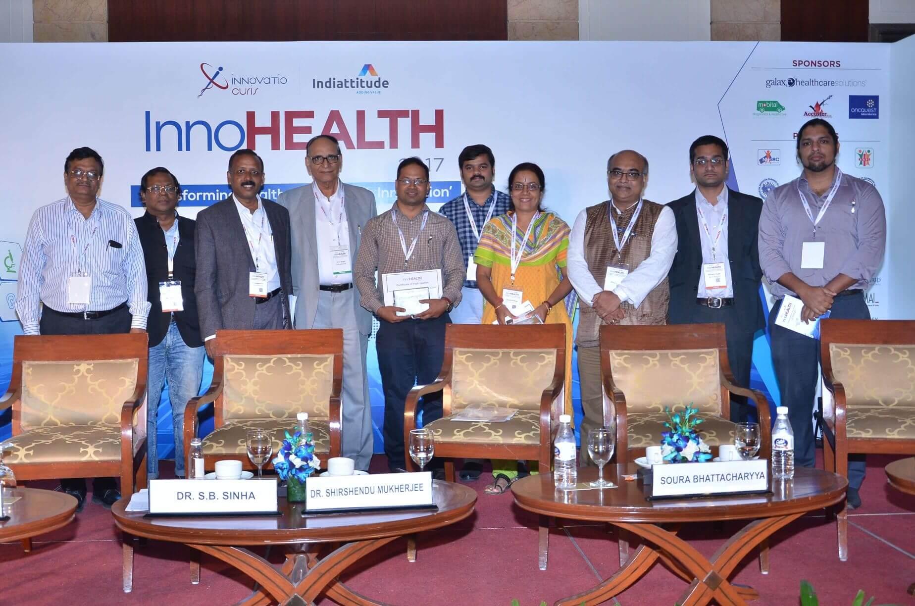 Group-photo-of-jury-and-innovators-at-InnoHEALTH-2017
