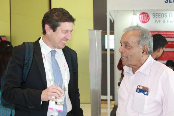 Filipe Assoreira and Dr. Pradeep Desai discussing at InnoHEALTH 2019